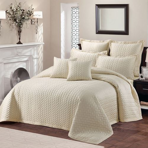 Picture of After glow bed spread set