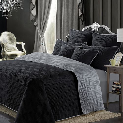 Picture of Black fire bed spread